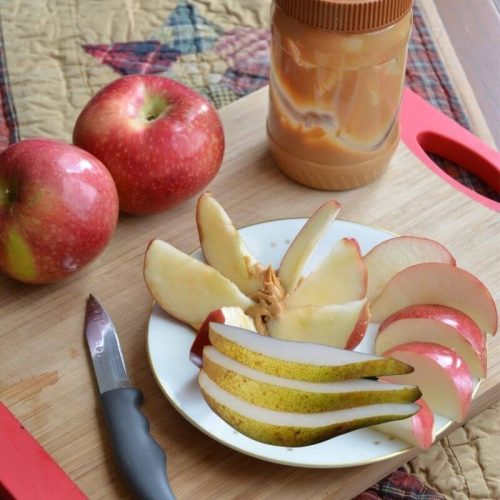 baby-snacks-apple-slices-peanut-butter