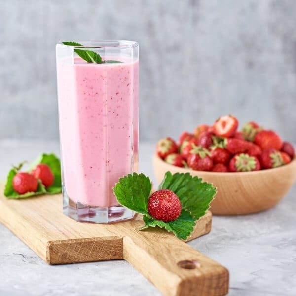 strawberry-smoothie-low-fodmap-breakfast