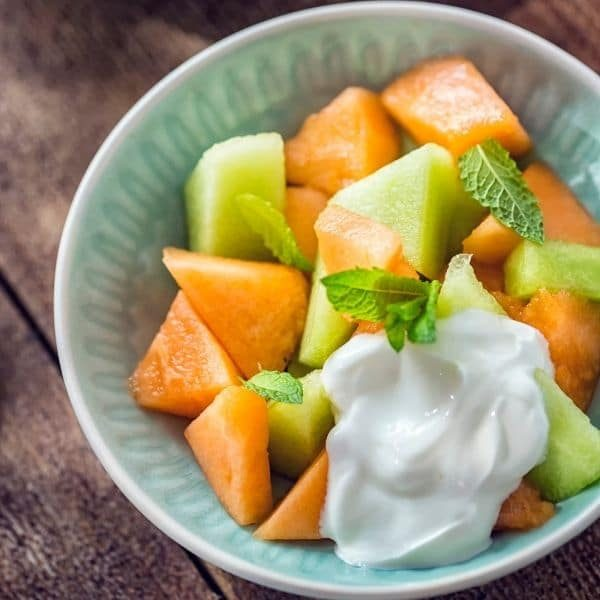 tropical-fruit-bowl-low-fodmap-breakfast